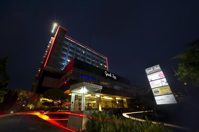 Grand Zuri Hotel